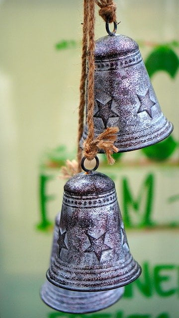 bells to keep cats away from the garden